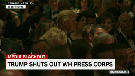 Trump shuts out WH press corps_00010114