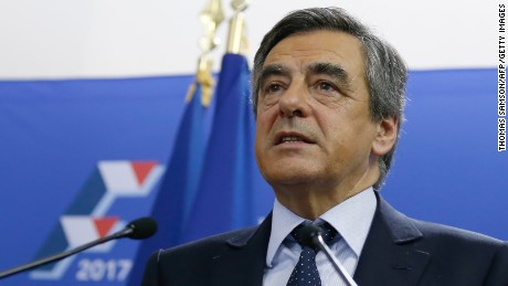 Candidate for the right-wing Les Republicains (LR) party primaries ahead of the 2017 presidential election and former French prime minister, Francois Fillon delivers a speech at his campaign headquarters after finishing first of the first round of the rightwing presidential primary, on November 20, 2016 in Paris.  / AFP / POOL / Thomas SAMSON        (Photo credit should read THOMAS SAMSON/AFP/Getty Images)
