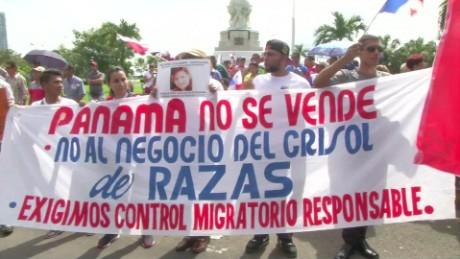 cnnee pkg elizabeth gonzalez control inmigratorio en panama_00001229