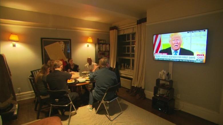 thanksgiving dinner politics_00015115