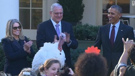 president obama pardons turkey thanksgiving bts_00022509.jpg