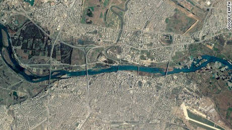 A Google Earth satellite images of bridges across Mosul's Tigris River before the operation.