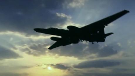 spying on isis u2 plane iraq pleitgen pkg_00013210.jpg