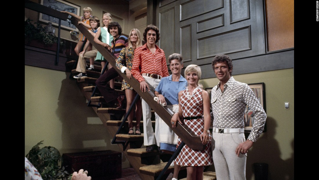 "Actress Florence Henderson, second from right, was best known for playing mom Carol Brady on the television show ""The Brady Bunch."" The show ran from 1969 to 1979 and was a hit in syndication. Henderson, 82, <a href=""http://www.cnn.com/2016/11/25/entertainment/florence-henderson-obit/index.html"" target=""_blank"">died from heart failure</a> on Thursday, November 24."