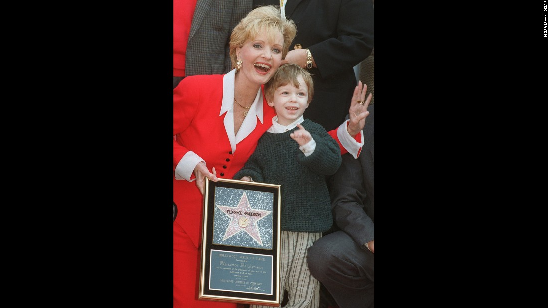 Henderson and her grandson Kyle celebrate her star on the Hollywood Walk of Fame in 1996.