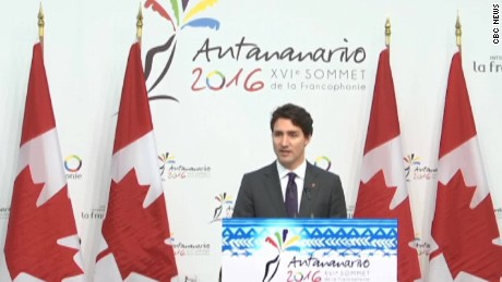 Trudeau defends his tribute to Castro