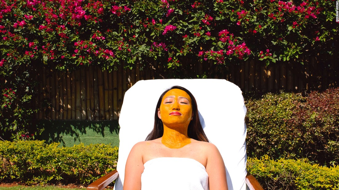Indians have been using turmeric masks to make skin soft and radiant. Soukya, a holistic health center in Bangalore, is one of the best places to get an authentic turmeric Ayurvedic facial.