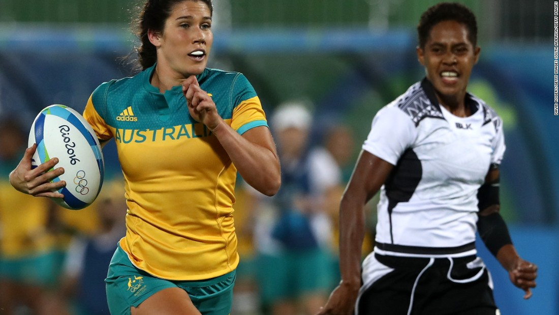 In November, Caslick was named World Rugby sevens player of the year following her displays at the Olympics and the 2015-16 World Series.