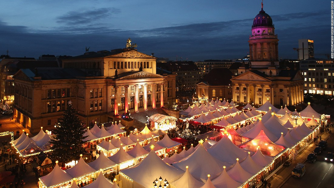 If there's only time for one Christmas market in Berlin, Gendarmenmarkt is unquestionably the one to see. Situated near the iconic Deutscher Dom, the concert hall and Französischer Dom, this popular market has the best views in town.