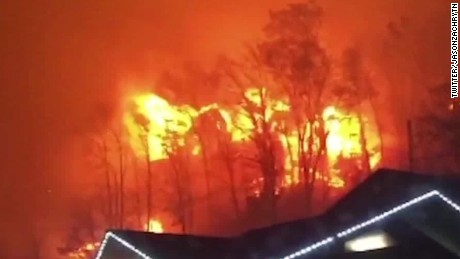 Dollywood Tennessee wildfires pkg newday_00002705.jpg
