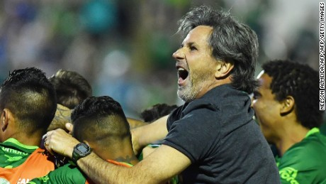 The coach of Brazil's Chapecoense Caio Junior (R) celebrate with the players after defeating Argentina's Independiente in a penalty shoot-out during their Sudamericana Cup match at the Arena Conda stadium, in Chapeco, Brazil, on September 28, 2016. / AFP / NELSON ALMEIDA        (Photo credit should read NELSON ALMEIDA/AFP/Getty Images)