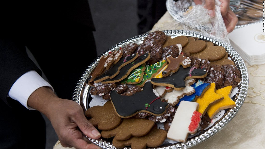 Cookies in different shapes, including some made to look like Sunny and Bo, are seen outside the White House on November 29, 2016.