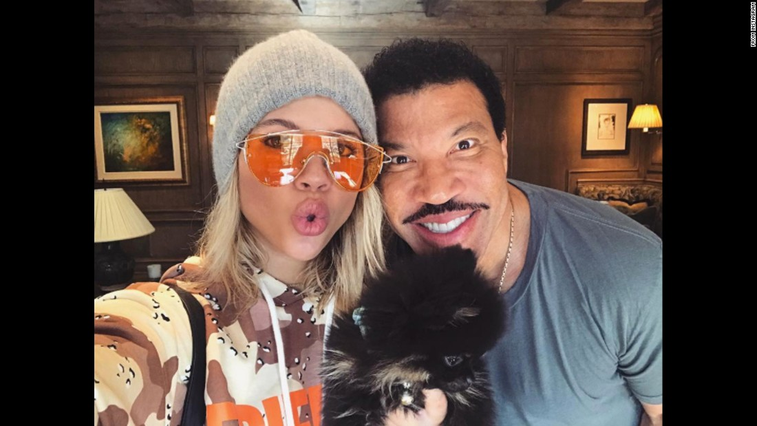 "Singer Lionel Richie and his daughter Sofia take a selfie together on Friday, November 18. ""Morning from the richie clan,"" <a href=""https://www.instagram.com/p/BM942vhhTt2/"" target=""_blank"">she said on Instagram.</a>"