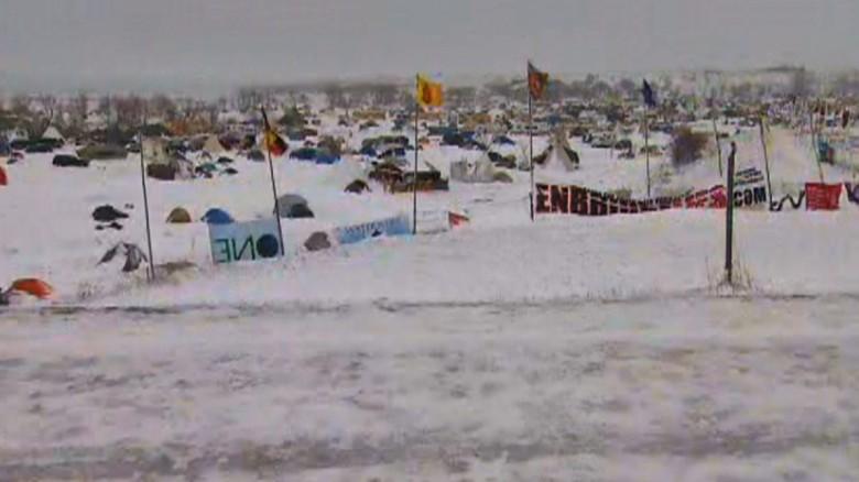 Pipeline protesters defy evacuation order