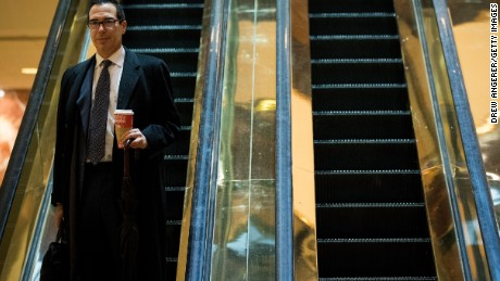 Steven Mnuchin, finance chairman for the Trump campaign, arrives at Trump Tower, November 15, 2016 in New York City.