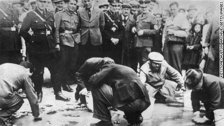 Gertrude remembers when Jews were forced to scrub the streets of Vienna.