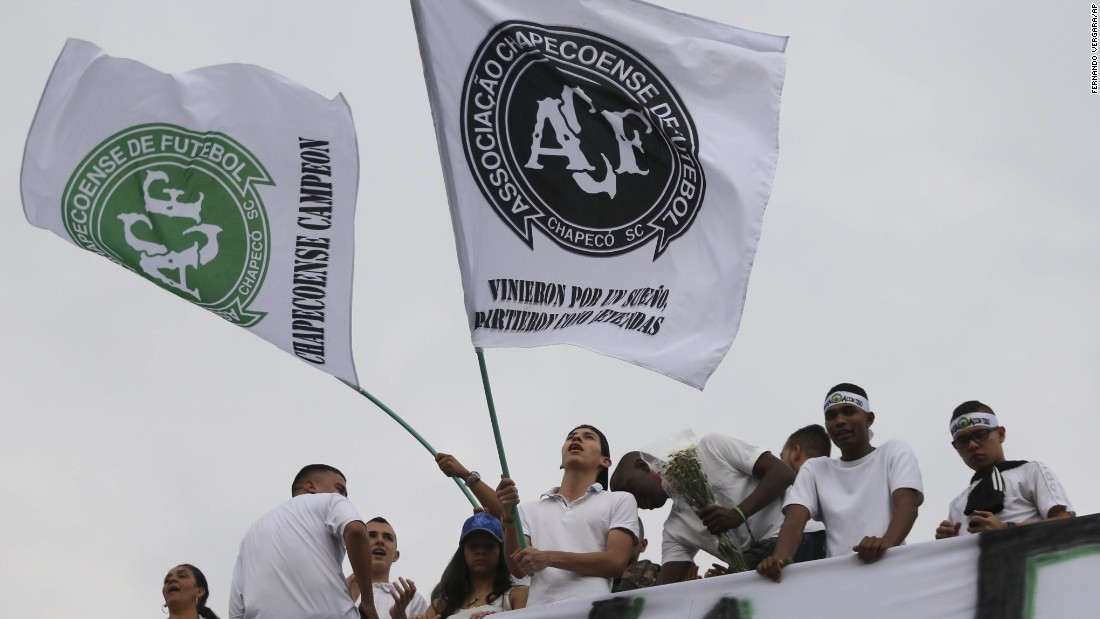 Fans of Atletico Nacional -- the Colombian team that Chapecoense was traveling to play -- pay tribute to the fallen players at a stadium in Medellin, Colombia, on November 30.