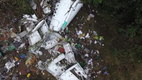 cnnee pkg shasta darlington lugar accidente avion chapecoense_00003620