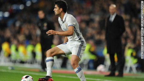 MADRID, SPAIN - NOVEMBER 30:  Enzo Zidane of Real Madrid CF in action during the Copa del Rey last of 32 match between Real Madrid and Cultural Leonesa at estadio Santiago Bernabeu on November 30, 2016 in Madrid, Spain.  (Photo by Denis Doyle/Getty Images)