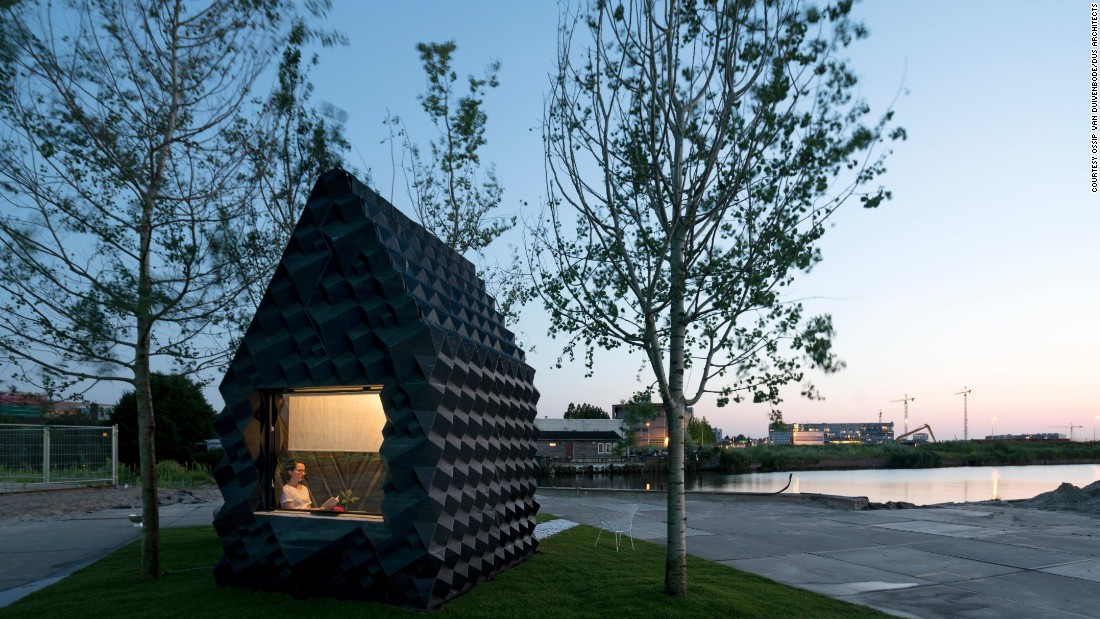 "To escape the hustle and bustle of Amsterdam, <a href=""http://houseofdus.com/"" target=""_blank"">DUS Architects</a> built an entirely 3D printed mini-retreat -- the ""Urban Cabin""."