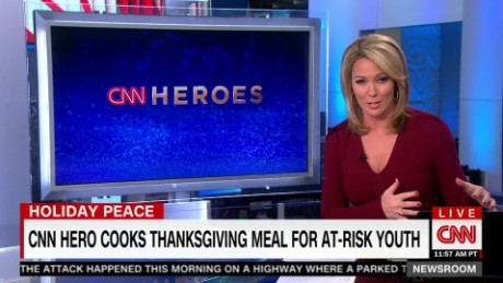 exp CNN Hero Cooks Thanksgiving Meal for at-risk Youth_00002001