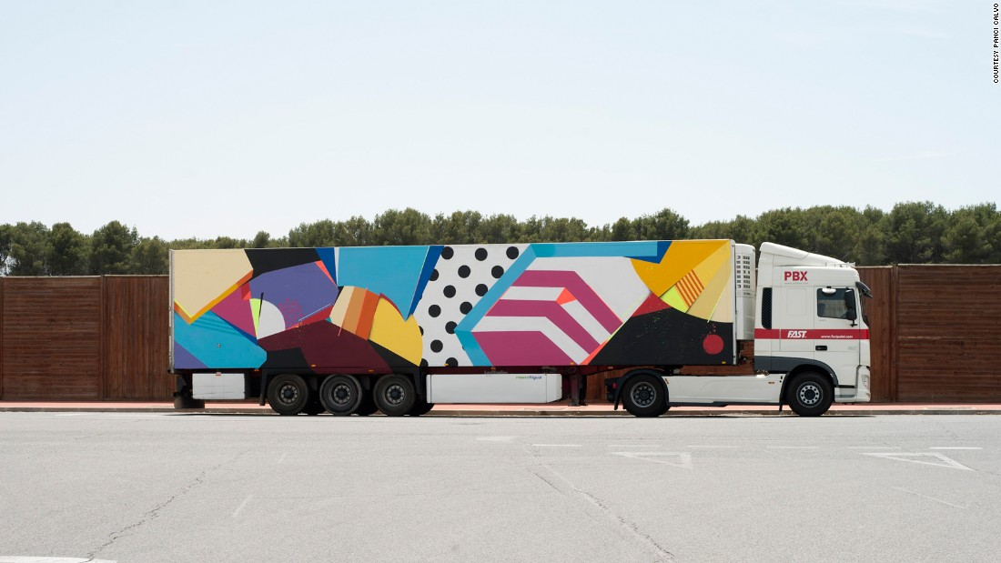The Truck Art Project convinced Puerto Rican street artist Sen2 Figueroa to paint a truck while in Spain for an exhibition.