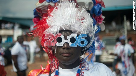 A supporter of Ghana's largest opposition party New Patriotic Party (NPP) is seen at the party manifesto launch in Accra on October 9, 2016. General elections are due in December 2016. / AFP / STEFAN HEUNIS (Photo credit should read STEFAN HEUNIS/AFP/Getty Images)
