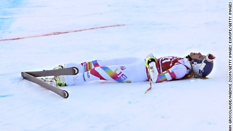 VAL D'ISERE, FRANCE - DECEMBER 21: (FRANCE OUT) Lindsey Vonn of the USA after her crash during the Audi FIS Alpine Ski World Cup Women's Super-G on December 21, 2014 in Val d'Isere, France. (Photo by Alain Grosclaude/Agence Zoom/Getty Images)