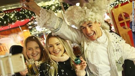 Christmas market tease2