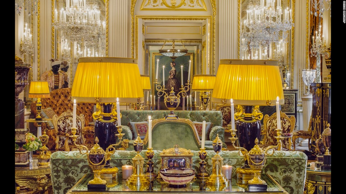 This 50-foot ballroom, featuring a collection of gold and enamel boxes, lies in what is reportedly Britain's most expensive private residence, Dudley House. Once the London abode of the Ward family, who had owned it since 1730, it was bought and restored by His Highness Sheikh Hamad bin Abdullah Al-Thani, a member of Qatar's royal family, in 2006.
