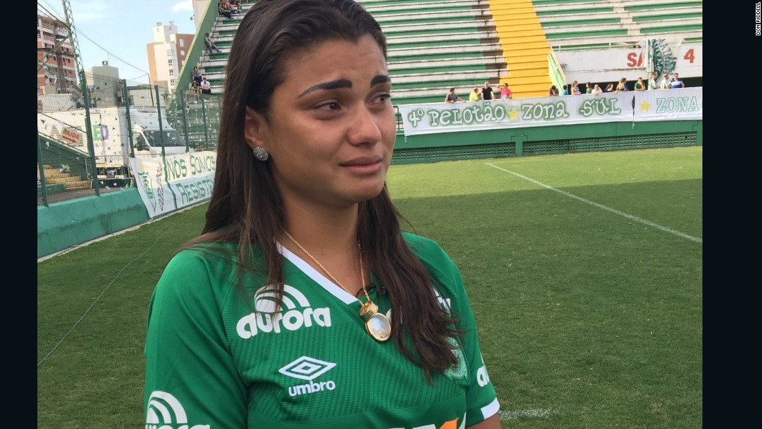 Amanda Machado was due to marry Chapecoense footballer Dener Assuncao Braz on Friday. He was among 19 players who died in the Colombia plane crash.