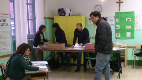 italy constitutional referendum voting wedman live nr_00001703.jpg