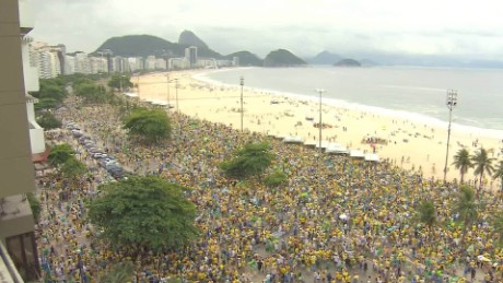 cnnee brk vo brasil protestas en apoyo lava jato_00005216