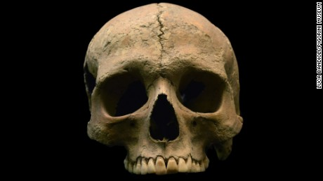 Skeletal remains of an individual from Velia are shown.