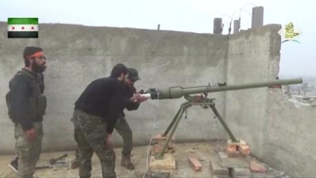 cnnee pkg el infierno en siria bombardeos continuan_00002218
