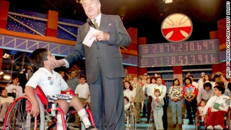 SANTIAGO, CHILE - DECEMBER 4:  Television entretainer Don Francisco thanks the television audience for their support during his 16th telethon in Santiago, Chile 04 December 1994, to collect funds for medical treatment for cripled children. After more than 27 hours, his telecast reportedly raised 3,138,513,916 Chilean Pesos(approximately 7.8 million USD.) to fund next years' program.  (Photo credit should read CRIS BOURONCLE/AFP/Getty Images)