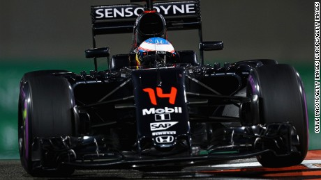Fernando Alonso in action at the Yas Marina Circuit during the 2016 Abu Dhabi Grand Prix
