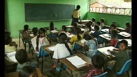 cnnee pkg marta garcia pisa ocde educacion latinoamerica_00001303