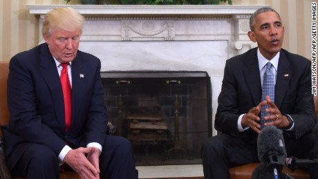 US President Barack Obama meets with President-elect Donald Trump in the Oval Office at the White House on November 10, 2016 in Washington, DC.  / AFP / JIM WATSON        (Photo credit should read JIM WATSON/AFP/Getty Images)