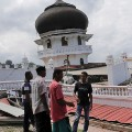 02 Indonesia earthquake 1207