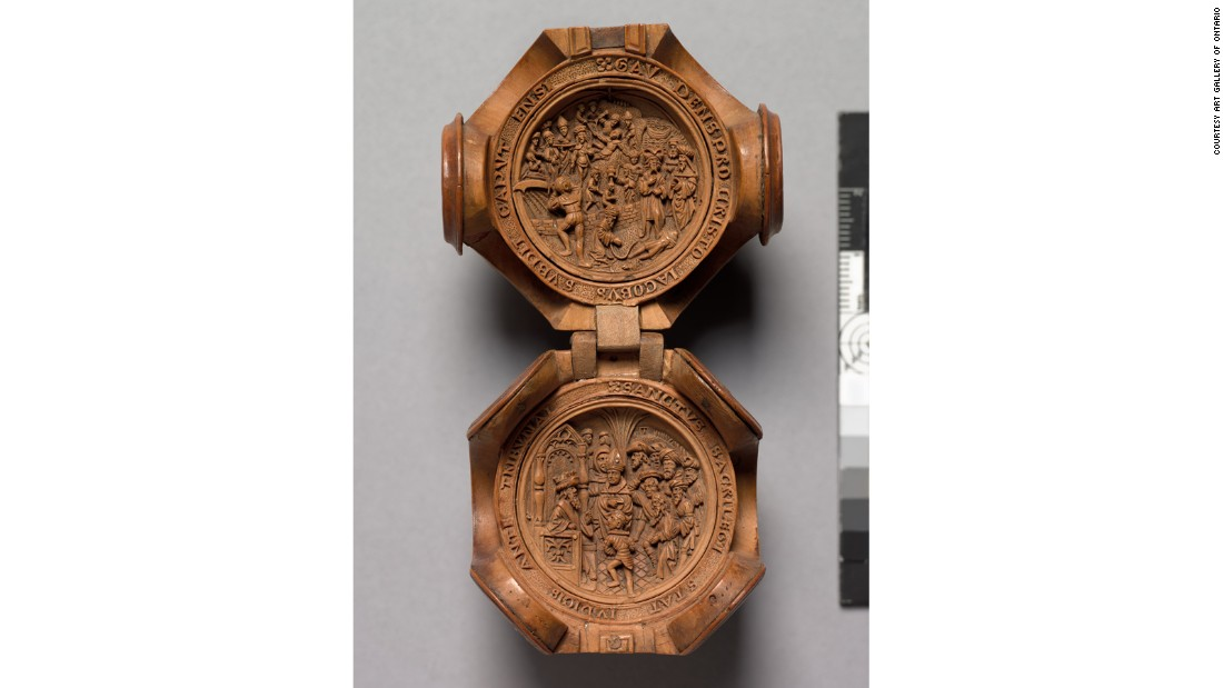 The interior of the bead exemplifies the great detail the boxwood miniatures are known for.