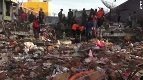 indonesia death toll rises quiano_00000415.jpg