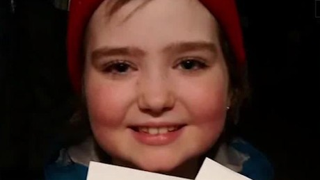 christmas cards for girl getting chemotherapy daily hit newday_00002012.jpg
