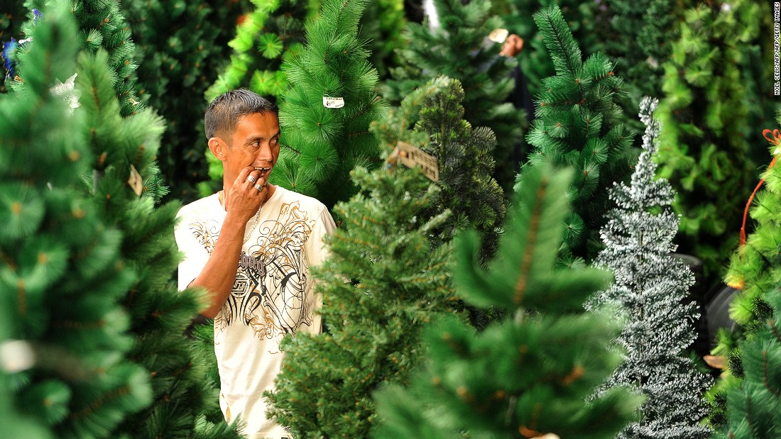 Real Or Fake Which Christmas Tree Should You Buy Cnn