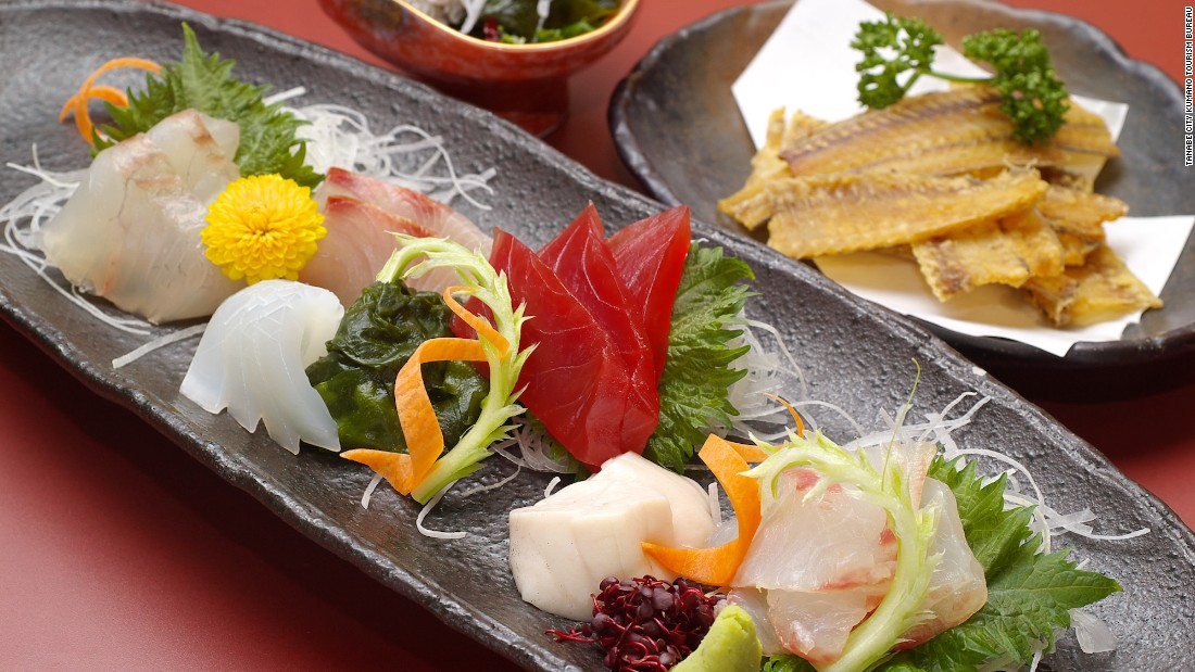 Gotta fuel up for those aikido sessions. Being a seaside city Tanabe is an excellent destination for sashimi fans. Travelers looking for variety should head to Ajikoji, an entertainment area in front of the JR Kii-Tanabe station packed with more than 200 restaurants and pubs.