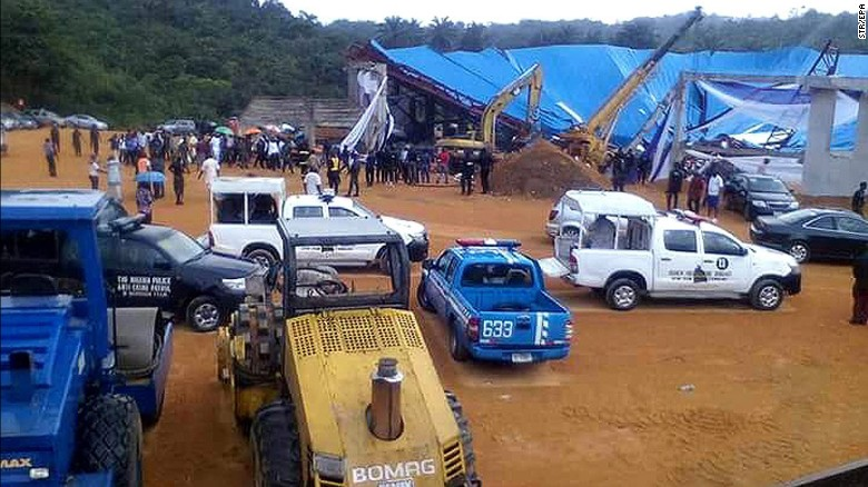 Rescue workers at the scene of a church collapse in Uyo on Saturday.