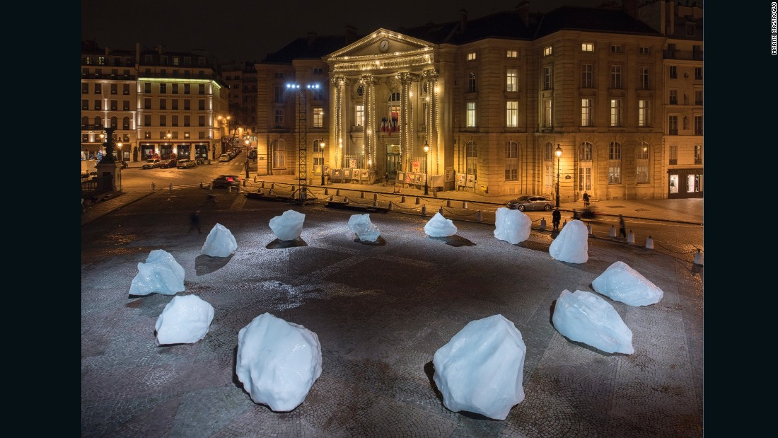 Artists Olafur Eliasson and Minik Rosing created this art installation using ice, in response to global warming and climate change.