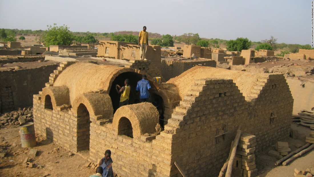 Around 20,000 people now live in Nubian vaults across five countries where the program is being implemented; Burkina Faso, Mali, Senegal, Benin and Ghana, with plans to expand into new countries.
