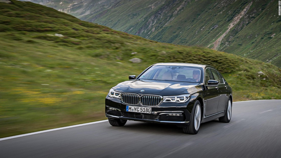 How many cars come equipped with a massage function and a choice of not one, not two, but eight different scents that make the cabin smell of fresh plants? We can't say definitively, but the luxury cruiser that is the BMW 7 Series is one of them.