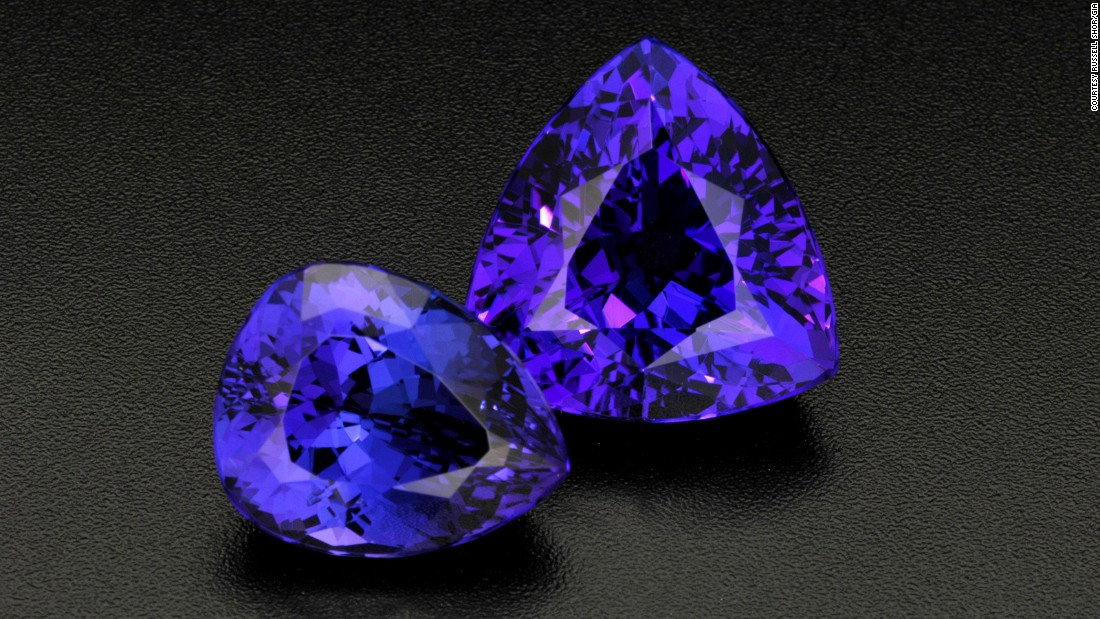 Tanzanite has so-called pleochroic qualities, and has three distinct shades when viewed from different directions.